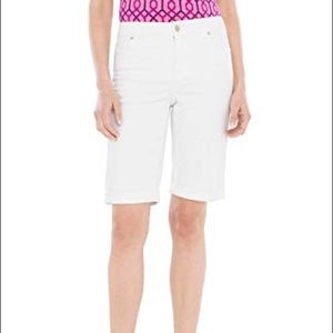 Chico's So Slimming Girlfriend Short White 3 Short